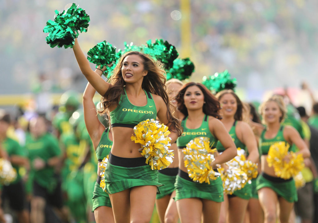 More College Cheerleaders and Dancers PHOTOS