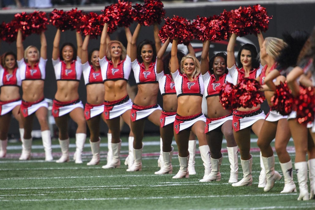 Former Saints Cheerleader Says Nfl Team's Policies Discriminate