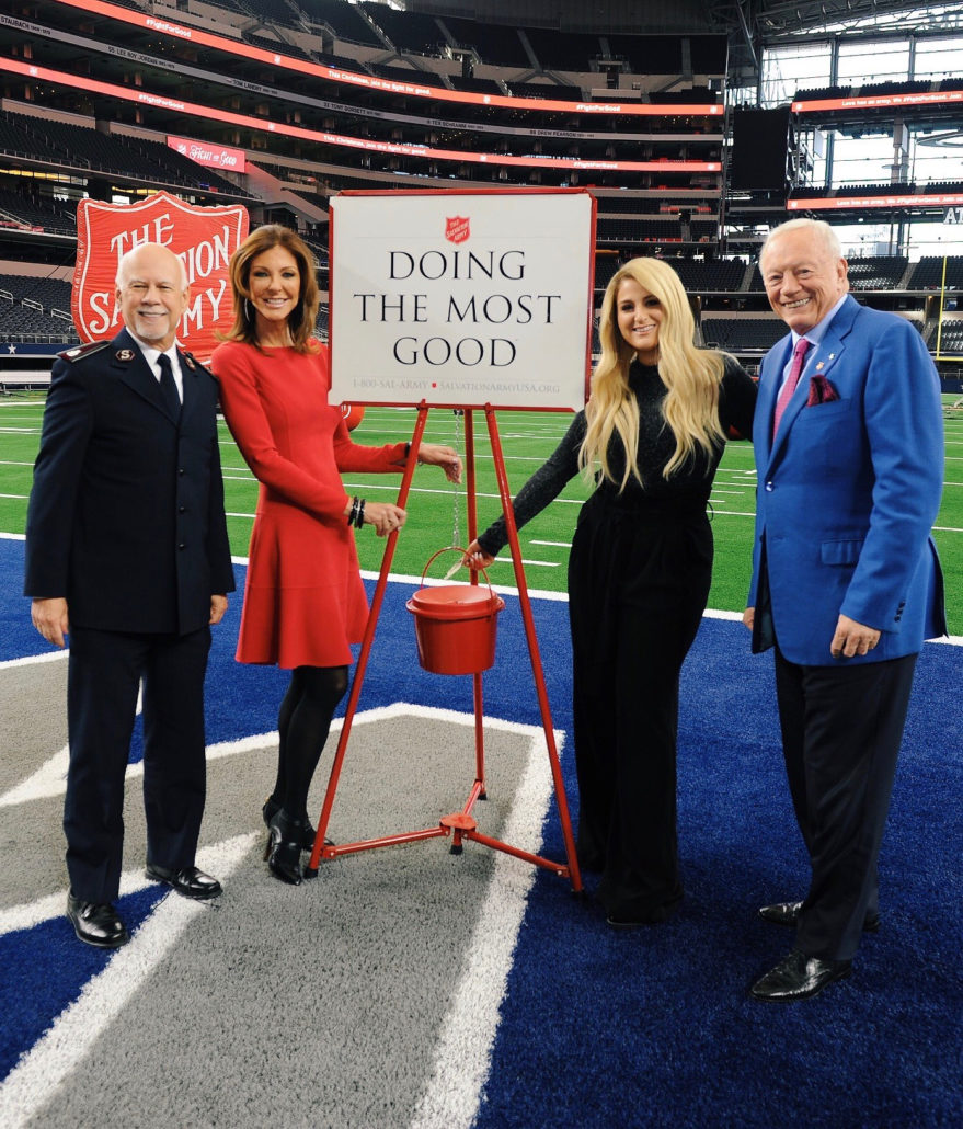 Cowboys Halftime Show Thanksgiving 2020.Meghan Trainor Kicks Off 128th Red Kettle Campaign With Live